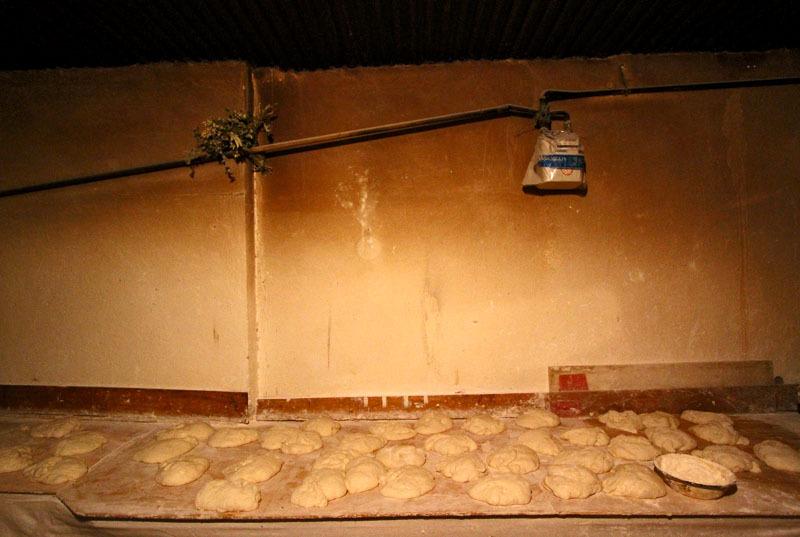 Процесс приготовления грузинского хлеба- Фото 13198- ФотоАргументы.